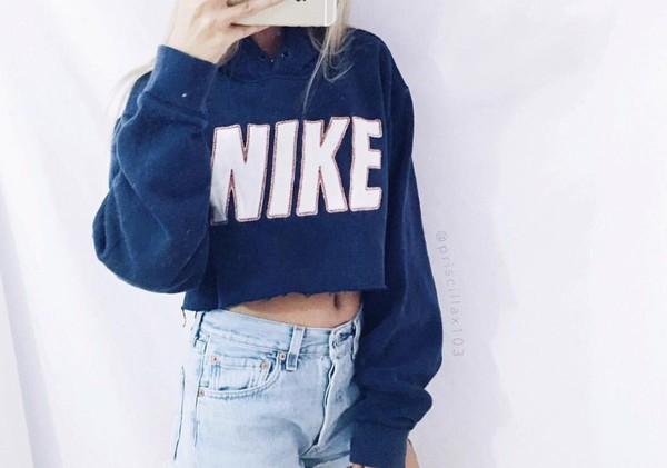 Nike Sweatshirt Men XS Women Medium Vintage 90s Nike Pullover ... e4fa2355829d