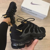 shoes,nike,nike air vapormax,black,nike running shoes