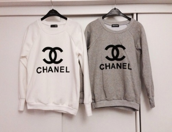 sweater chanel inspired chanel chanelsweater grey grey sweater white whitesweater cc pull gris blanc sweatshirt grey sweater weheartit fashion style cute love beautiful winter outfits shirt