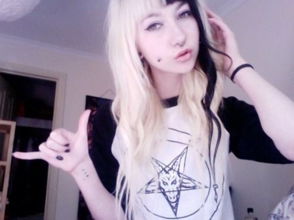 shirt thrasher pentagram baphomet baseball tee black and white b&w dark creepy pastel goth pastel goth goth