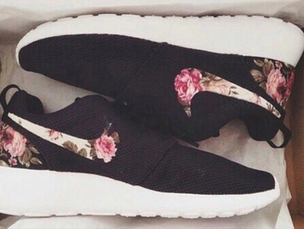 Nike Roshe Run Women Flower