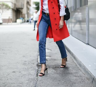the classy cubicle blogger jacket shirt jeans shoes bag belt sunglasses