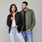 jacket,bomber jacket,baseball jacket,black,green,army green,unisex,nylon,fashion,streetstyle,taylor ashley