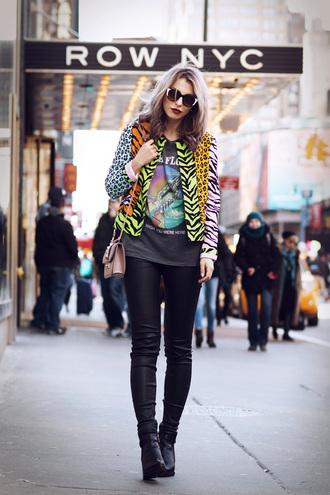 masha sedgwick blogger animal print graphic tee leather pants jacket jeans shoes bag shirt