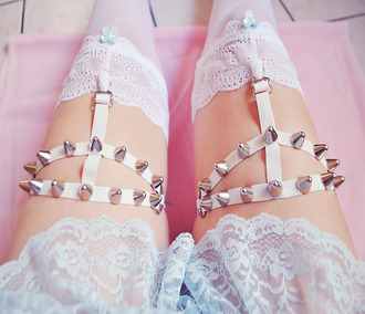 belt garter spikes white soft grunge grunge kawaii pastel goth pretty girly