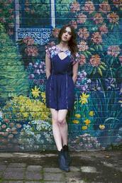 dress,sundress,keyhole