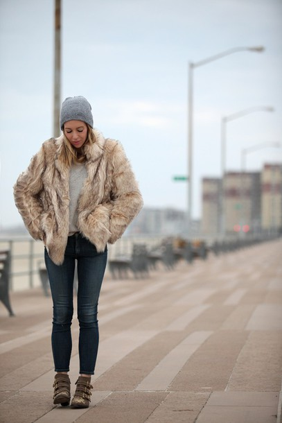brooklyn blonde blogger coat shoes hat