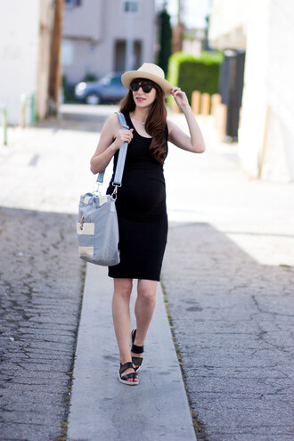 jeans and a teacup blogger dress shoes hat sunglasses bag black dress blue bag shoulder bag flats summer dress summer outfits