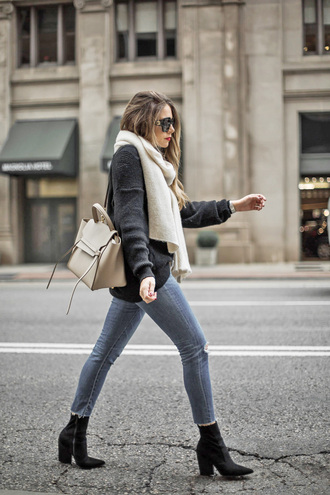sweater tumblr black sweater scarf knitted scarf white scarf denim jeans grey jeans boots black boots pointed boots bag white bag