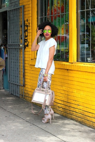 mattieologie blogger pants white t-shirt handbag printed pants