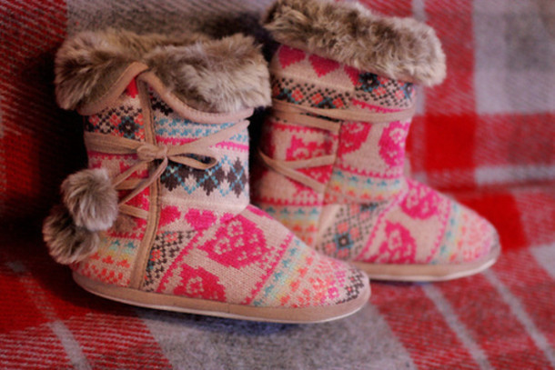 shoes, winter outfits, collor, ugg boots, slippers, boots, comfy, cute, pattern, aztec - Wheretoget