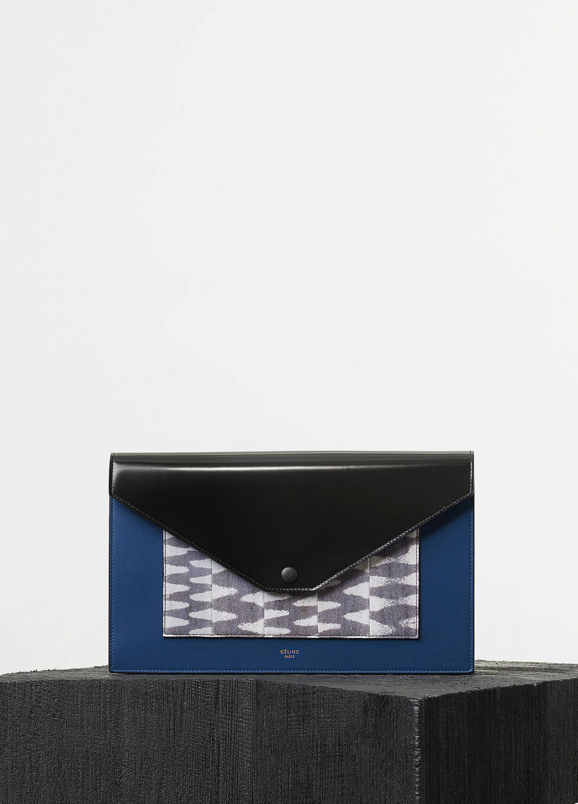 Crease evening clutch on chain in crocodile