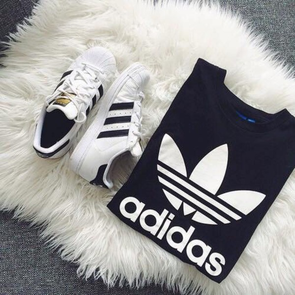 Adidas Superstar Noir Foot Locker