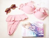 swimwear,bikini,summer,pink,sunglasses,top,ruffled bikini,ruffle trim bikini,pretty,girly,pink swimwear,beautiful