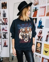 sweater,black sweater