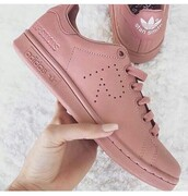 shoes,adidas shoes,adidas superstars,stan smith,blush pink,adidas,adidas originals,cute,instagram,tumblr,style,fashion,pink,girls sneakers,pretty,sports shoes,sporty,pink sneakers