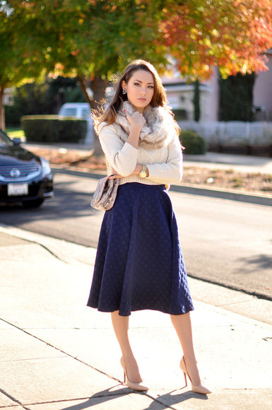 hapa time blogger jewels earrings scarf midi skirt flare skirt knitwear faux fur clutch quilted