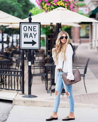 shoes white sweater tumblr slide shoes leopard print denim jeans blue jeans sweater sunglasses fall outfits