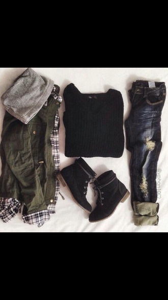 coat blue skinny jeans blue jeans jeans black top black t shirt t-shirt combat boots shoes sweater