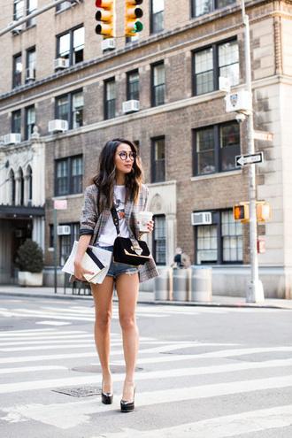 wendy's lookbook blogger t-shirt shoes bag jewels crossbody bag blazer denim shorts platform pumps fall outfits