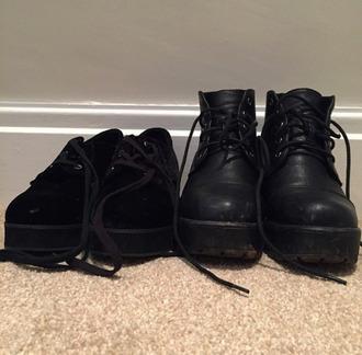shoes boots black boots black grunge grunge shoes pale gru pale grunge helpmefind helpmefindthisplease leather vans