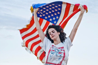 t-shirt top shirt budweiser white white t-shirt white tee red blue lana lana del rey logo buttweiser beer graphic tee america american flag music video hipster grunge beautiful