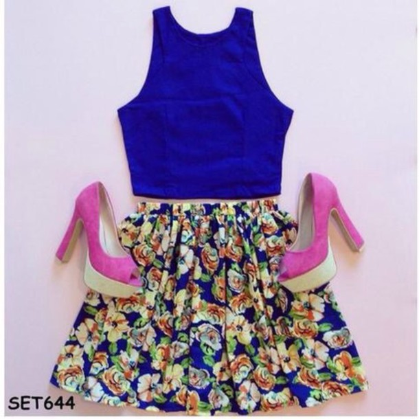 skirt blue floral t-shirt tights shirt hair accessory