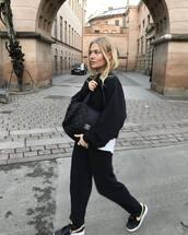 bag,sporty,shoulder bag,black bag,chanel,joggers,sneakers,nike sneakers,hoodie