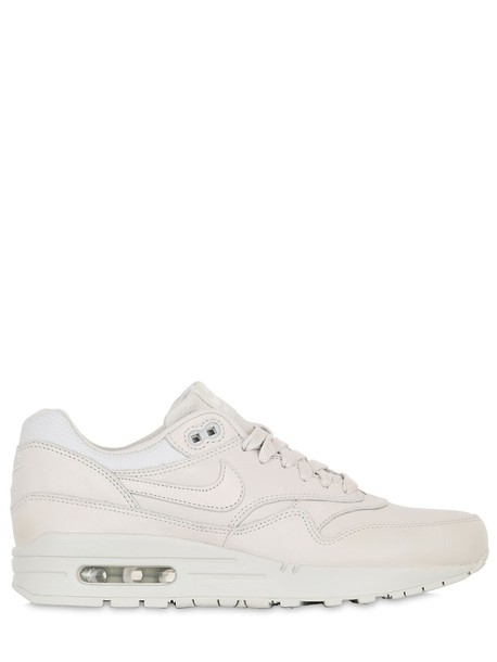 Nike sneakers leather light shoes
