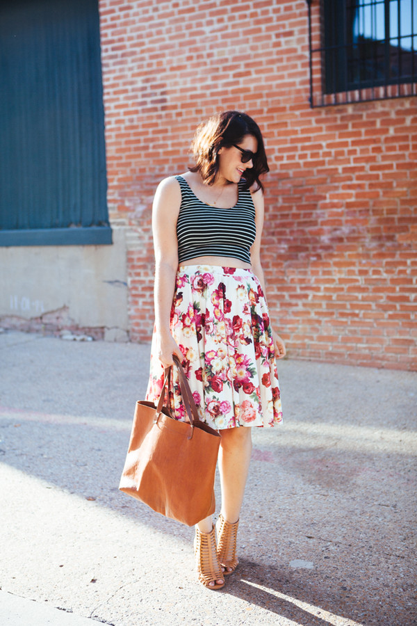 kendi everyday top skirt shoes bag jewels sunglasses caged sandals nude sandals crop tops striped top midi skirt floral skirt brown bag black sunglasses