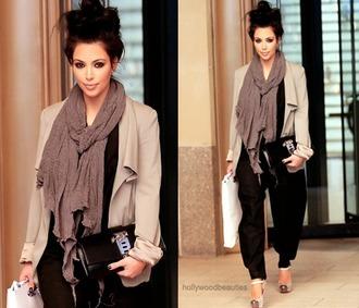 jacket kim kardashian beige jacket black pants louboutin