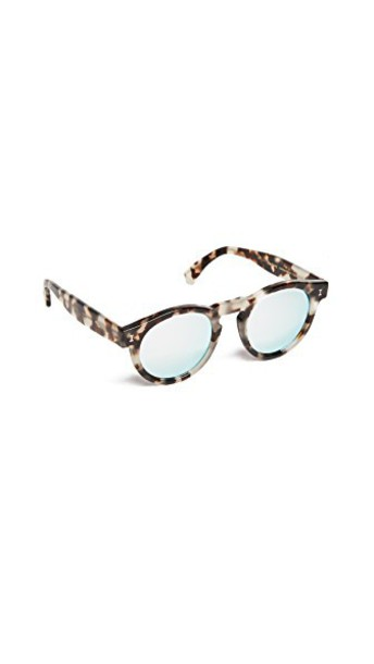 Illesteva Leonard Mirrored Sunglasses in silver / white