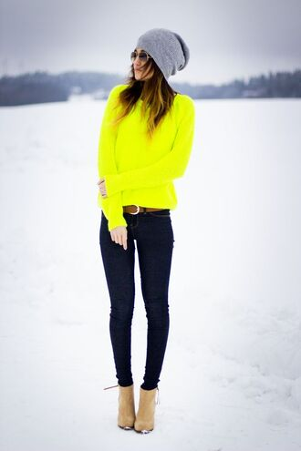 neon yellow pop of color long sleeves sweater