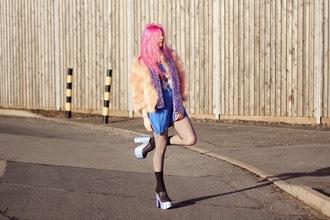 kayla hadlington blogger fluffy platform shoes