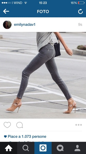jeans grey denim skinny jeans heels bag t-shirt kendall jenner