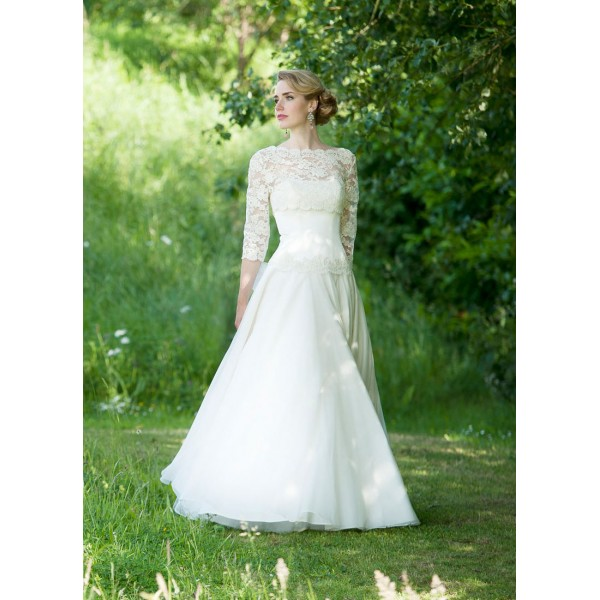 Lovely removable lace jacket to match with 3/4 length sleeves wedding dress