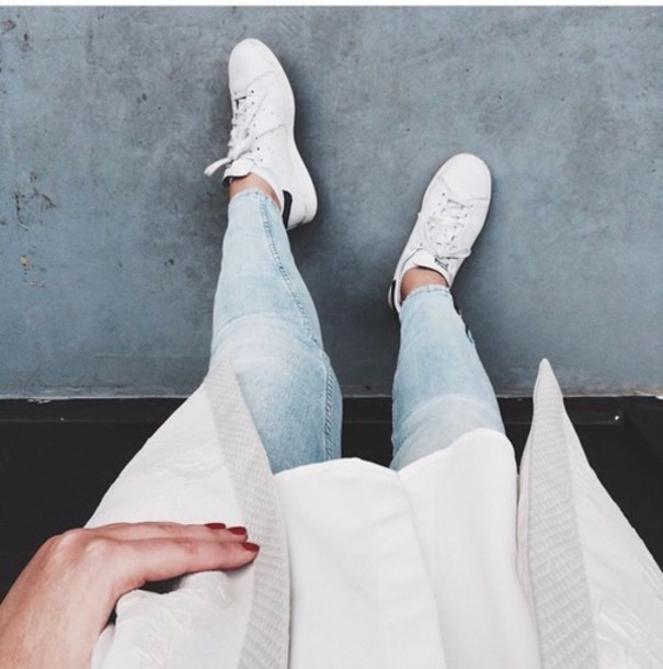jeans white outfit