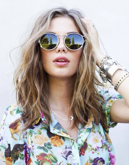 sunglasses circle round mirrored round sunglasses t-shirt blouse floral blouse floral tank top boho chic summer outfits hippie round sunglasses