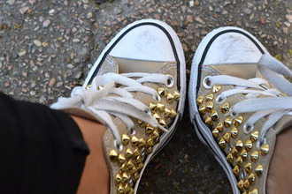 shoes converse sneakers studs chuck taylor all stars perfect combination brown shoes vintage girly casual rivet