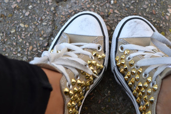 shoes girly rivet all stars converse all star chuck taylor all stars perfect combination brown shoes vintage casual casual outfit converse sneakers studs