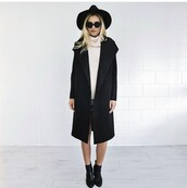 coat,black coat,large round glasses