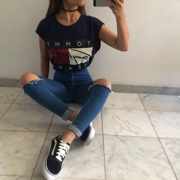 t-shirt tommy hilfiger tommy hilfiger crop top shirt tommy hilfiger jeans ripped jeans blue jeans black t - shirt girl clothes shoes black and white sneakers black tommy hilfiger shirt blouse pants belt red navy pretty urban outfitters top white flag cute wheretogetit??? wheretoget??