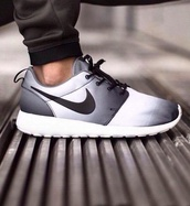 shoes,nike,ombre,roshes,black,white,nike roshe run,nike running shoes,nike shoes womens roshe runs,nike shoes