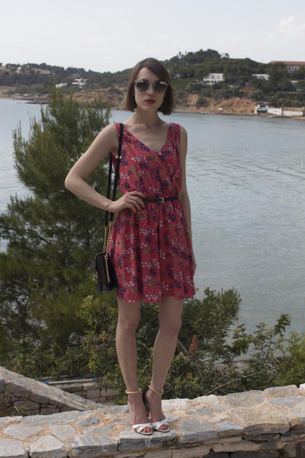 la petite anglaise jewels bag belt shoes sunglasses