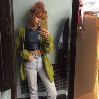 cardigan green cardigan fall outfits vintage crop tops iphone outfit oversized cardigan oversized sweater ripped _ highwaisted jeans high waisted vintage jeans high waisted jeans outfit idea