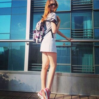 bag backpack legs white dress sneakers nike street summer happy girl girly rucksack printed bag printed backpack fusion roses