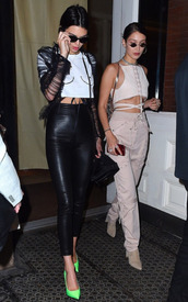 pants,crop tops,cropped,bella hadid,kendall jenner,pumps,sunglasses,high waisted,model off-duty,top