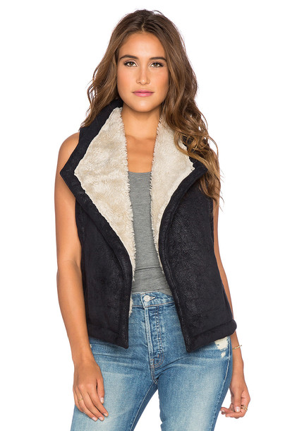BB Dakota vest fur faux fur black