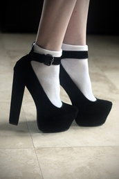 shoes,black shoes,black heels,velvet,black,strap shoes,straps,thick heel,high heels,black  high heels,pointed toe,velvet shoes
