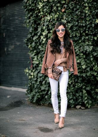 extra petite blogger sweater jacket jeans shoes bag jewels white jeans brown jacket suede jacket animal print bag clutch high heels necklace statement necklace silver necklace jewelry